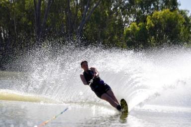 Wasserskifahren und Wakeboarden